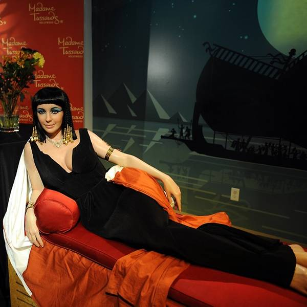 Elizabeth Taylor in one of her most famous roles, Cleopatra, at Madame Tussauds in Hollywood, California. (Photo: AFP/Gabriel Bouys)