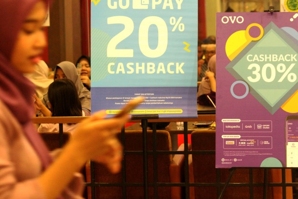 Popularity of cashless payments in outlets across Southeast Asia. Image: Antara Foto/Risky Andrianto