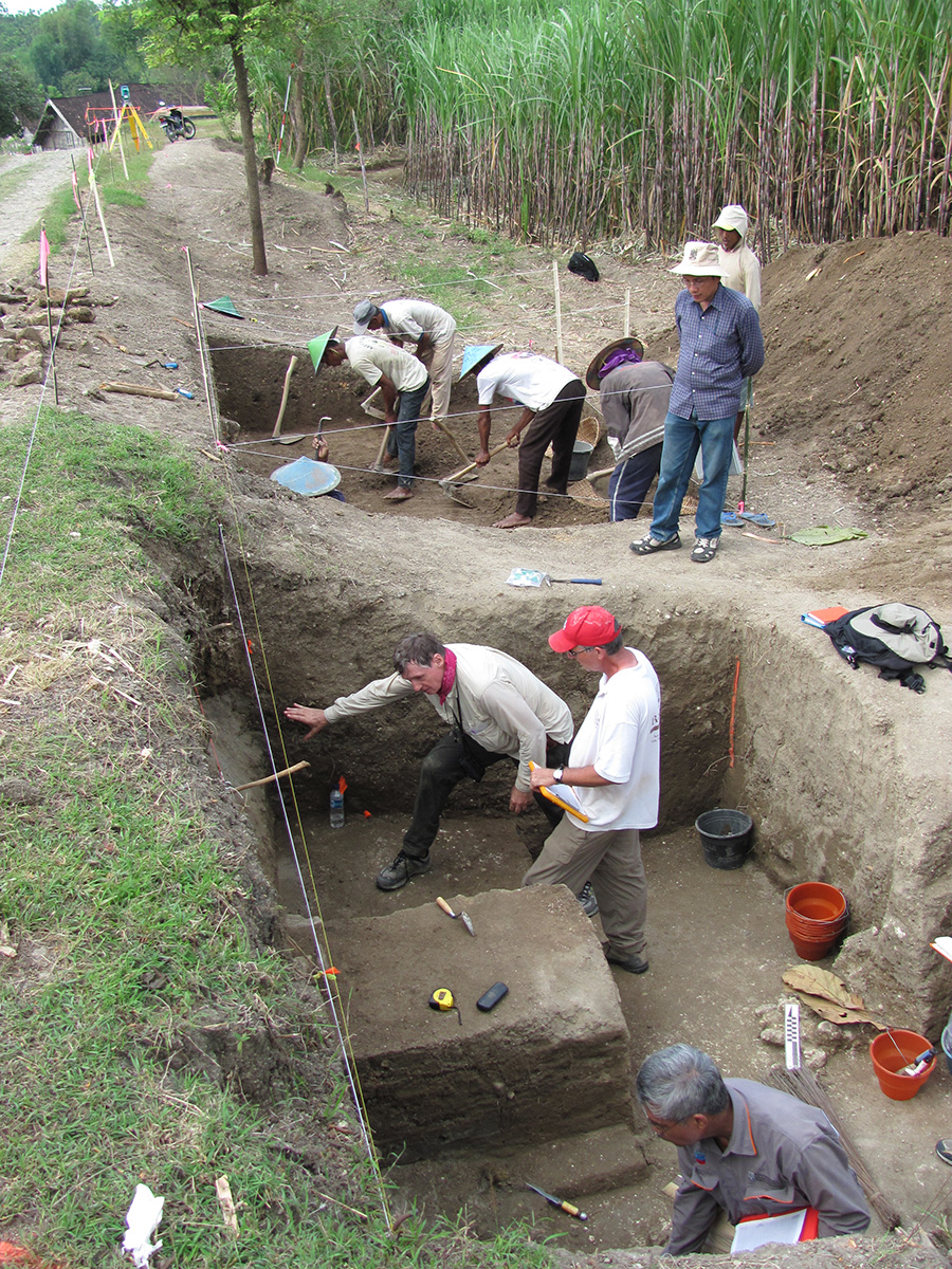 Excavations in Ngandong, Indonesia in 2010. Image: Russell L. Ciochon/University of Iowa/Business Insider