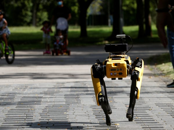 Boston Dynamics robot in Singapore. Image: Reuters